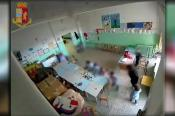 Matera, l'asilo degli orrori: schiaffi, urla e punizioni ai bimbi. Nei guai una 64enne