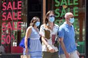 Puglia, al via i saldi estivi: complice il caldo poca affluenza nei negozi