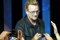 Saw pain on pope's face on abuse - Bono
