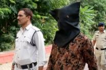 India,presunto serial killer condotto in tribunale a Bhopal