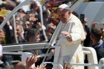 Med should be arc of peace says pope