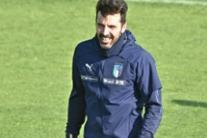 Gianluigi Buffon in allenamento a Coverciano