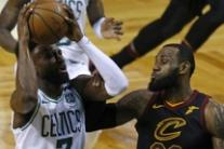 Basket: finali Nba, Boston batte Cleveland e va sul 3-2