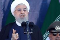 Hassan Rouhani durante discorso a parata militare, Iran