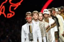 Milan Men's Fashion Week, modelli in passerella per Fendi