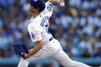 Mlb: il pitcher dei Dodgers Walker Buehler contro i Brewers