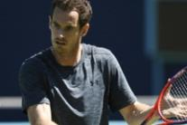 Andy Murray in allenamento al Queen's Club di Londra