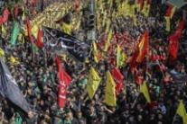 Supporter dell'Hezbollah in corteo a Beirut