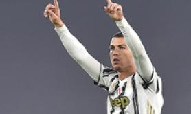 Calcio: CR7 vince il 18/o Golden Foot Award