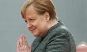 Merkel says agrees with Conte on urgency of EU solidarity (3)