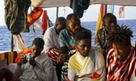 Open Arms: 8 migranti sbarcati per cure
