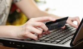 Oria, vendono assicurazione online ma è una truffa: denunciati tre campani