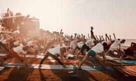 International Yoga Day, ecco il saluto al sole di Torre Quetta