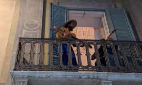 Bernalda, una serenata a sorpresa tra Jovanotti e Dario Argento