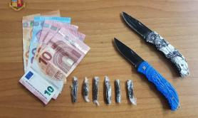 Taranto, spacciano hashish a 18 anni: due denunce