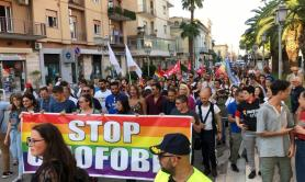 San Severo dice stop all'omofobia: in 300 sfilano con Luxuria