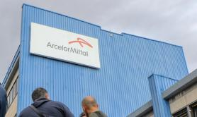 Arcelor Mittal, Usb: «Non ha pagato l'affitto all'Ilva, serve una colletta?»
