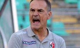 Calcio Bari, mister Vivarini recede da contratto e va all'Entella