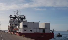Taranto, sbarcate 403 persone dalla «Ocean Viking»