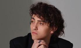 Michele Bravi, incidente stradale: cantante patteggia 18 mesi
