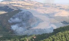 Incendio a Sant'Agata di Puglia: in fiamme vegetazione in località Monte Ultrino
