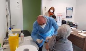 Vaccini in Puglia, inoculate 743mila dosi: +27mila oggi