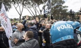COVID: Anti-lockdown protest at Circus Maximus