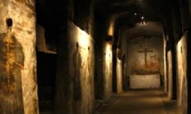Coronavirus: Italy's catacombs closed