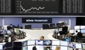 Borsa: Europa apre debole