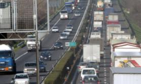 Traffico, 11 feriti in incidente in A4