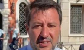 Salvini, chi va via lo saluto e tanti auguri