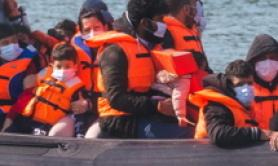 Migranti: Marina francese salva 80 persone, tra cui 20 bimbi
