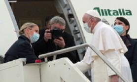 'Pilgrim of peace' Pope Francis flies to Baghdad