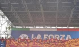 Bandiere leone Venezia in stadio Vicenza