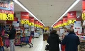 Household spending down 2,530 euros on 2011 - report