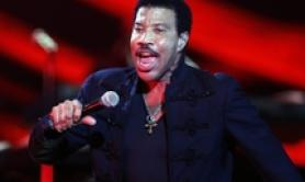 A Lionel Richie il premio Capri Person of the Year