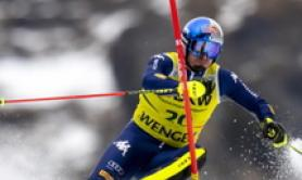 Skiing: Paris season over with ACL tear