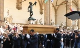 Salma Franco Zeffirelli arriva a Palazzo Vecchio a Firenze