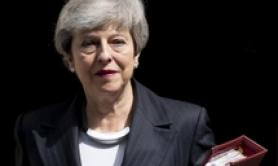 Downing Street, May resta al suo posto