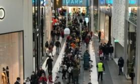 Crowds gather at new Rome shopping mall