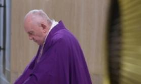 Switch off TVs, ditch phones for Lent tweets pope