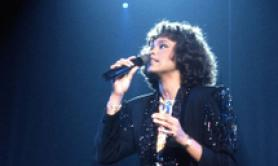 Whitney Houston in tournée da ologramma