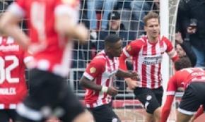 Tris PSV,sempre testa a testa con l'Ajax