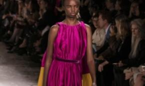 London fashion week, un abito del designer Roksanda