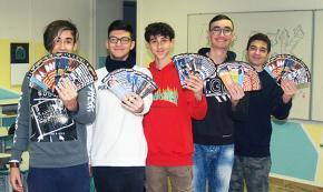 Lecce, a 14 anni inventano start-up «cartacea»: nei segnalibri Ronaldo, Icardi, Einstein e Walt Disney