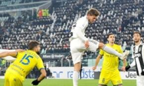 Soccer: Juve thump Chievo, return nine points clear