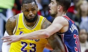 NBA:Washington Wizards-L.A.Lakers,LeBron James in contrasto