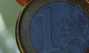 Cambi: euro in lieve calo a 1,1360 dlr
