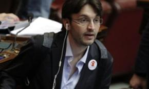 ALS suffering lawmaker quits M5S