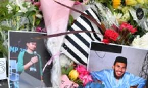Fiori e foto per i morti dell'attentato a Christchurch